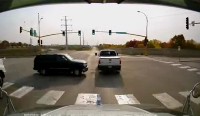 Наглый водитель внедорожника