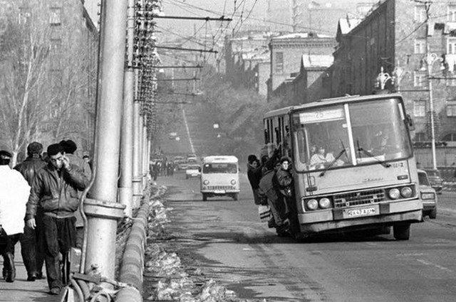 «Тёмные годы», начало 1990–х, Ереван, Армения