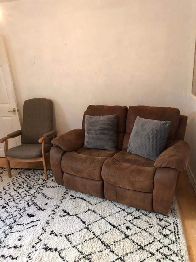 Клинеры показали результаты уборки в доме в графстве Камбия - гостиная