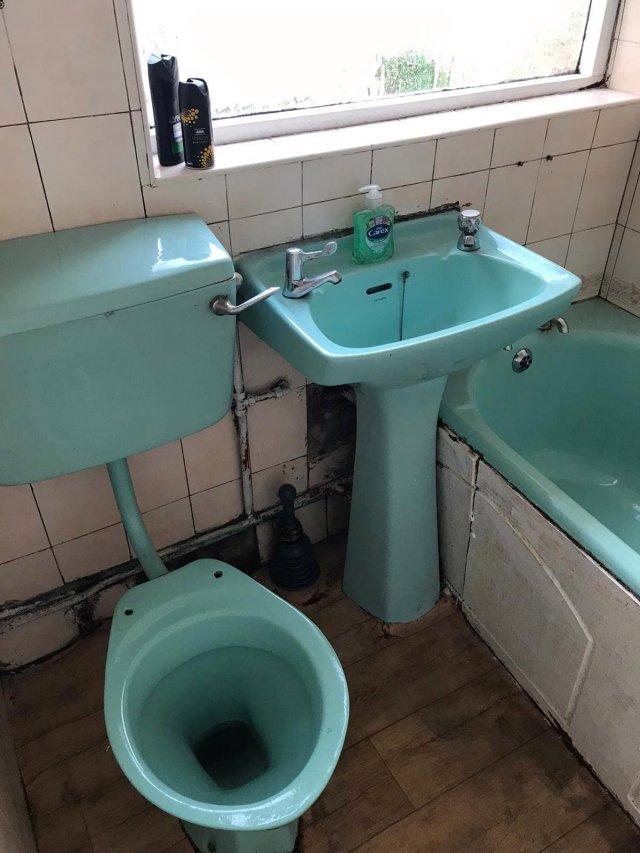 Клинеры показали результаты уборки в доме в графстве Камбия - ванная