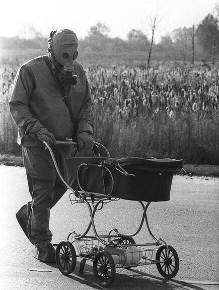 Один из тысяч ликвидаторов аварии на 4-м энергоблоке Чернобыльской АЭС. Апрель 1986 г.