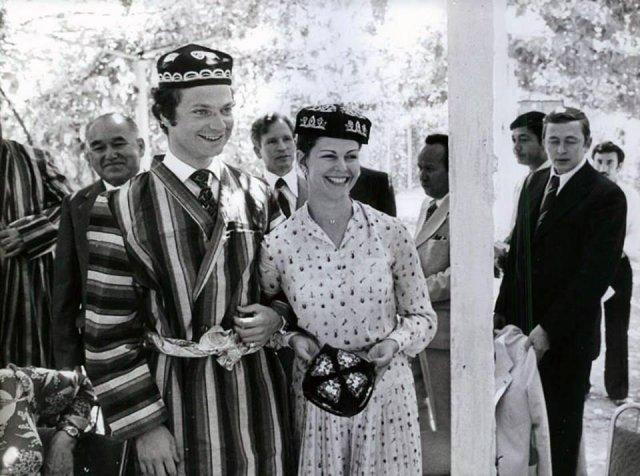 """Король Швеции Карл XVI Густав и его жена Сильвия с визитом в колхозе """"Ленинизм"""" под Ташкентом, 1978 год."""