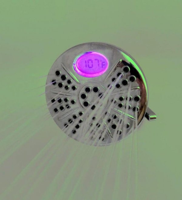 Этот душ позволяет установить необходимую температуру воды