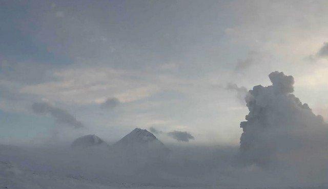 Камчатка - вулкан Безымянный
