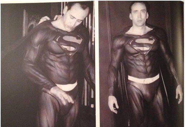 """В 1998 году Тим Бертон собирался перезапустить франшизу """"Супермен"""", отдав главную роль Николасу Кейджу. Проект был закрыт."""