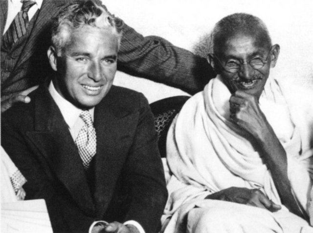 Чарли Чаплин и Махатма Ганди, 1931 год.