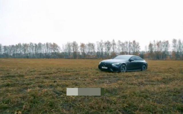 Вот так горят 13 000 000 рублей - блогер Михаил Литвин сжег свой Mercedes GT63s