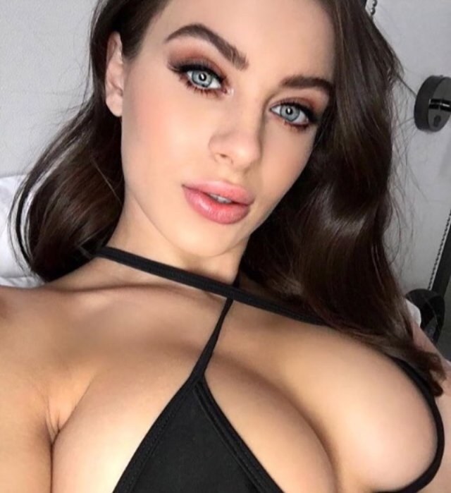 Лана Роудс (Lana Rhoades)
