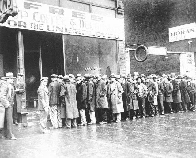 Бесплатное питание для безработных, открытое гангстером Аль Капоне в период Великой депрессии, 1931 год