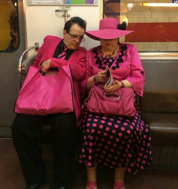 парочка в розовом