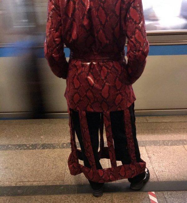 странное пальто