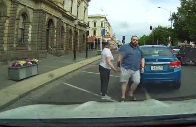 Нелепый конфликт на дороге с забавным концом