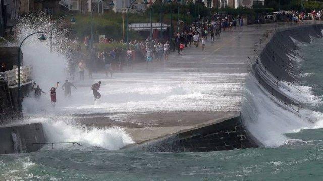 Мощные волны