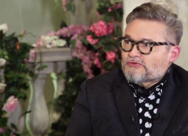 """""""Историк моды"""" Александр Васильев заявил, что коронавирус изобрело тайное мировое правительство"""