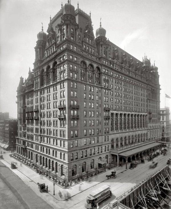 Первоначальный вид отеля Уолдорф-Астория в Нью-Йорке