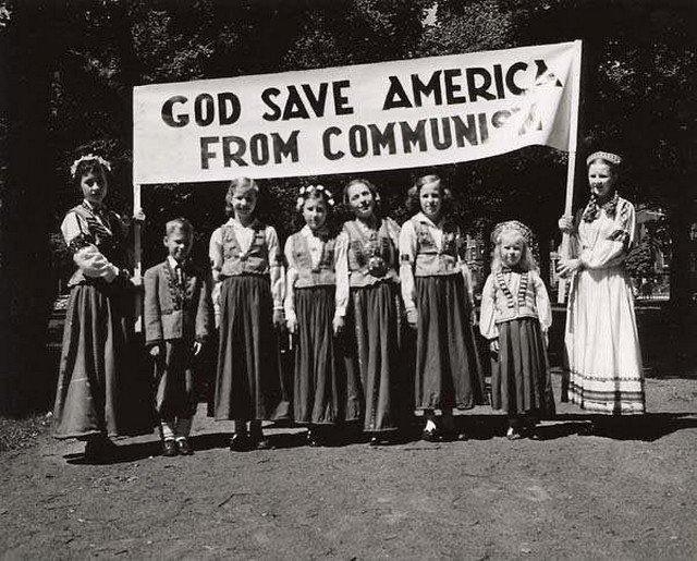 «Боже, спаси Америку от коммунизма», Бостон, штат Массачусетс, США, 1950 год.
