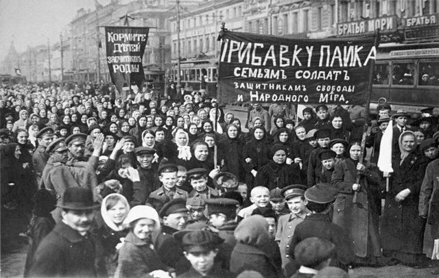 Демонстрация работниц Путиловского завода, 1917 год, Российская империя