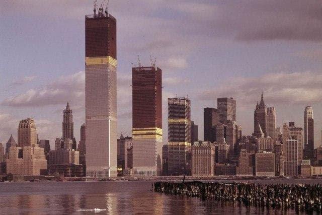 Возведение Всемирного торгового центра, 1971 год.
