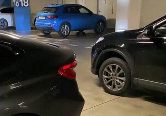Парковка в ТРК в Сочи