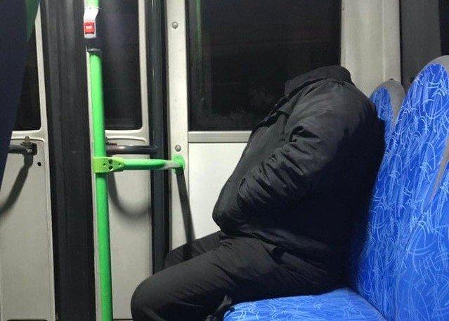 Всадник без головы в автобусе