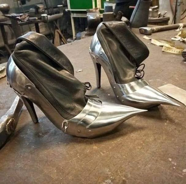 Металлическая обувь