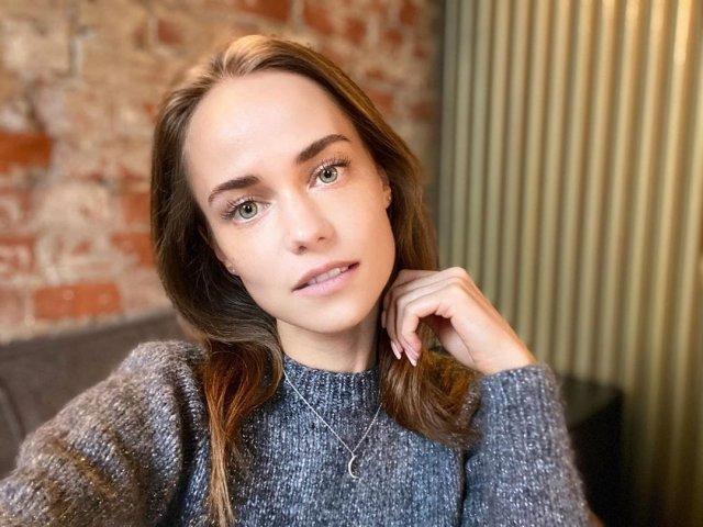 Катерина Ковальчук в свитере