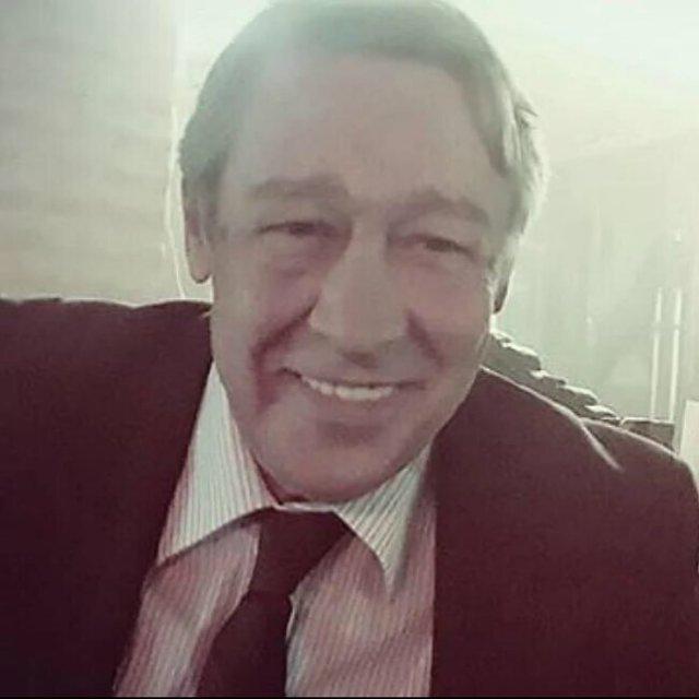 Михаил Ефремов в костюме