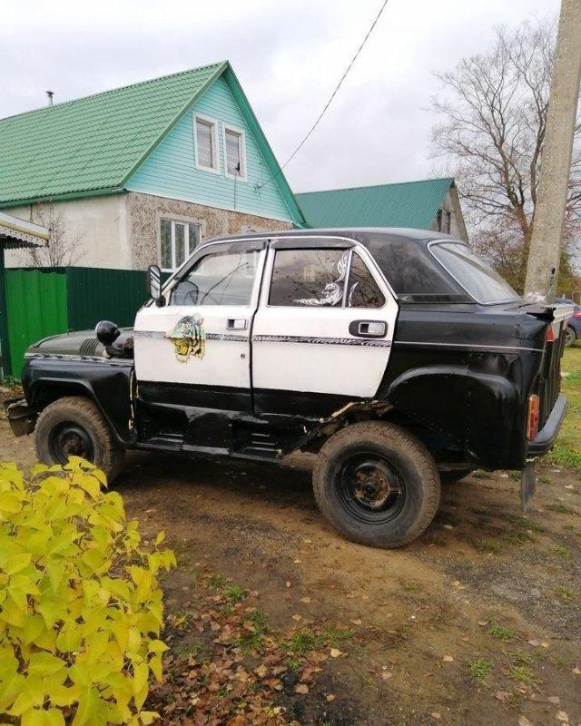 """Энтузиасты скрестили """"Волгу"""" с УАЗ-ом - вышла очень странная машина"""