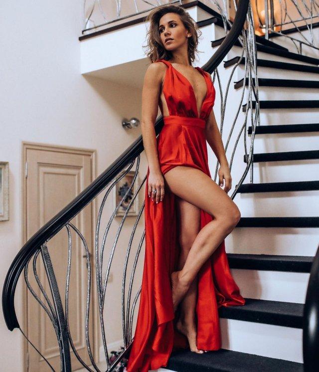 Юлия Ковальчук красном платье
