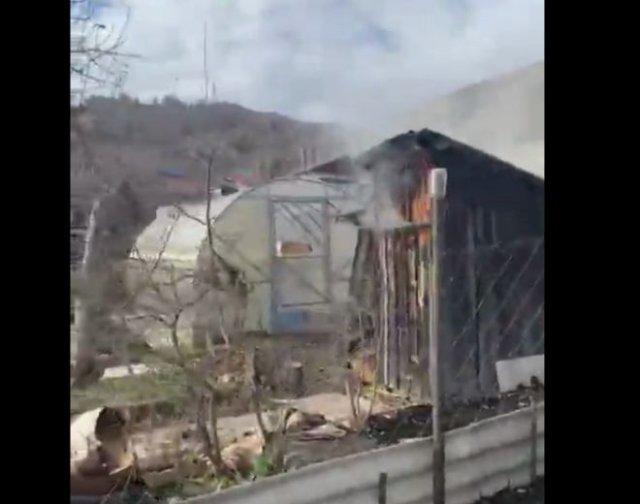 Когда решил закоптить рыбку, но соседи вызвали пожарных
