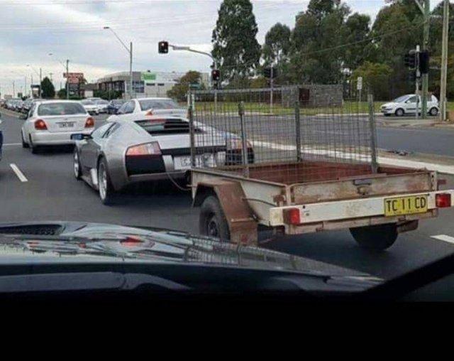 Lamborghini с прицепом