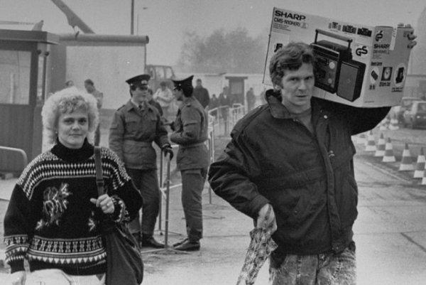 Восточно-Берлинская пара возвращается домой