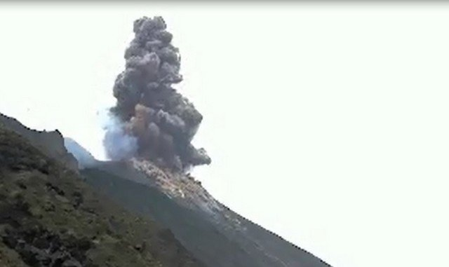 Извержение вулкана на Сицилии