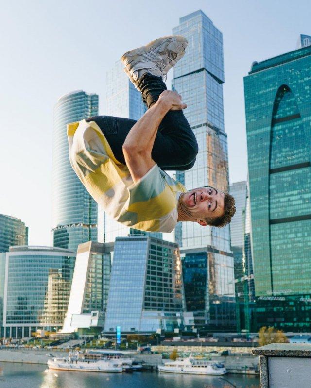Кирилл Колесников (thekiryalife) делает прыжок