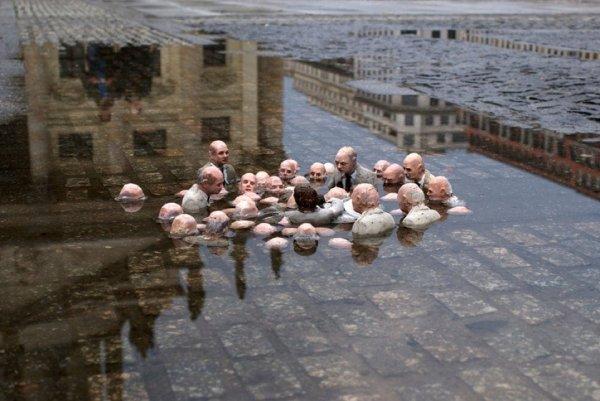 Скульптура Иссака Кордала в Берлине