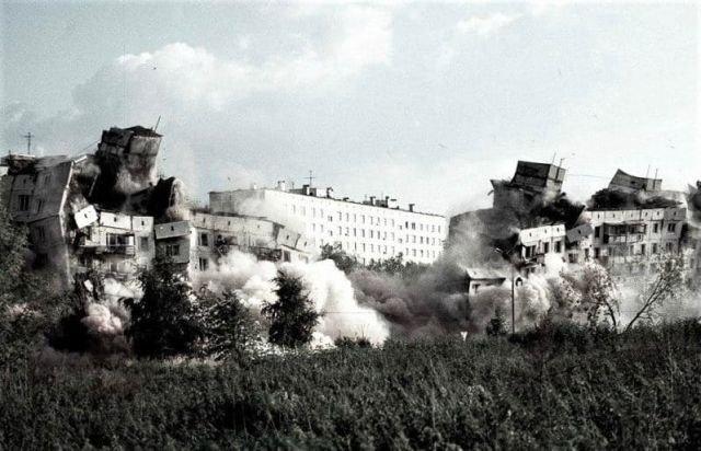 Подрыв дома №19 на ул. Гурьянова (после теракта) специалистами МЧС