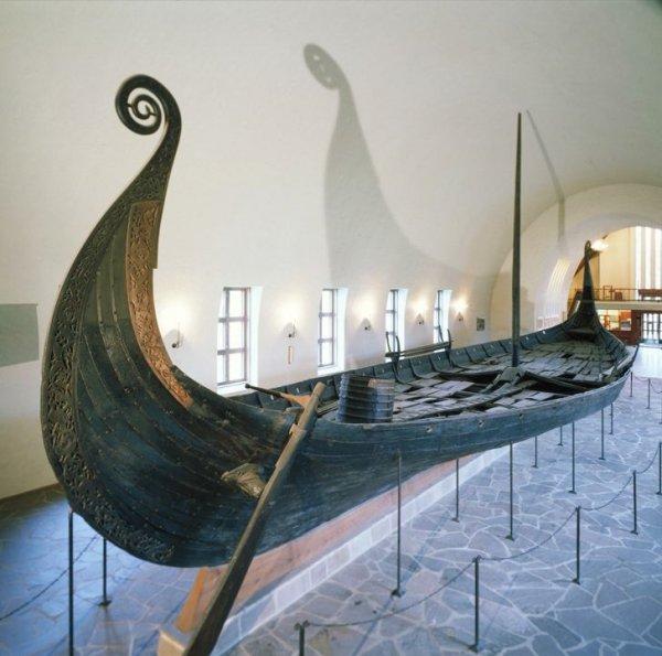 Дубовый драккар викингов, обнаруженный в 1904 году