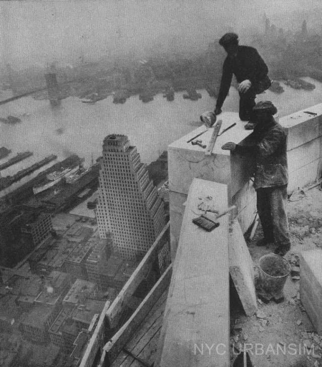 Рабочие на небоскребе; Нью-Йорк, 1931 год