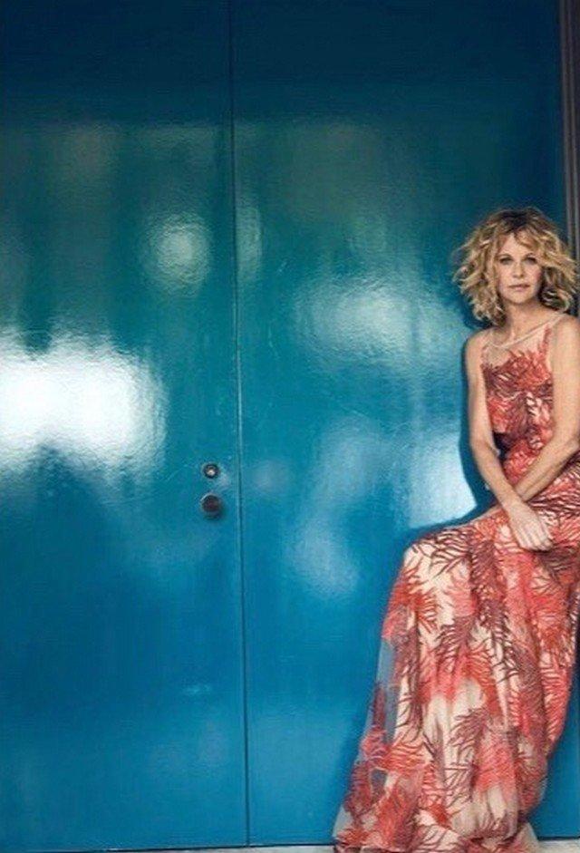 Мег Райан в красном платье