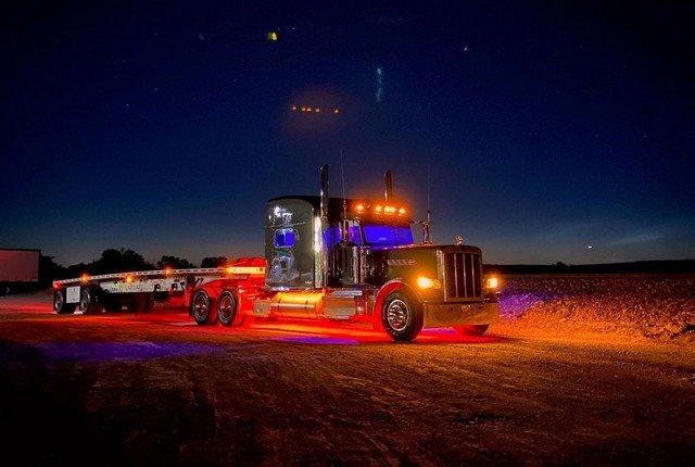 R y S h o r o s k y - американский грузовки