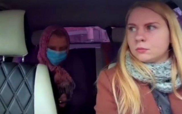 Наглая бабуля в такси, которая еще и заказ отменила, вызвав сразу несколько машин