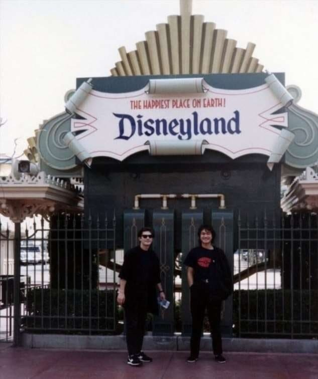 «Кино» в США. Парк «Диснейленд». На Новый год 1990-го.