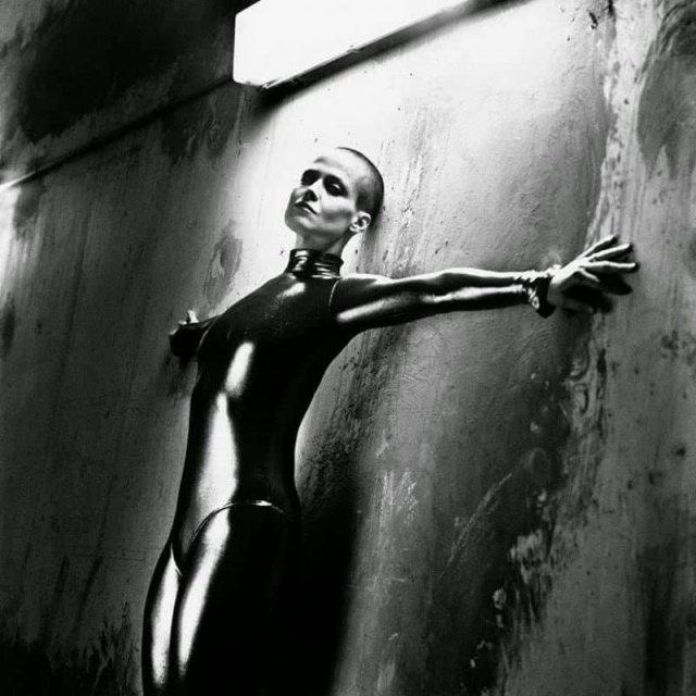 """Сигурни Уивер, постановка для фильма """"Чужой III"""", 1991 год."""