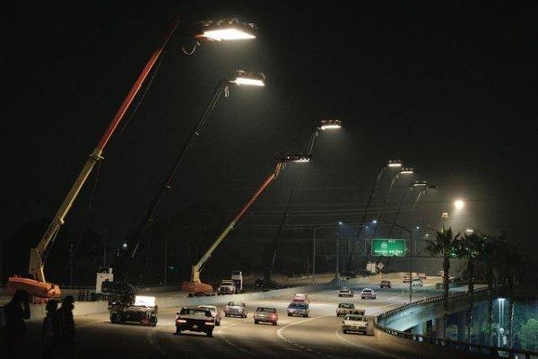 Освещение дороги для «Однажды… в Голливуде»