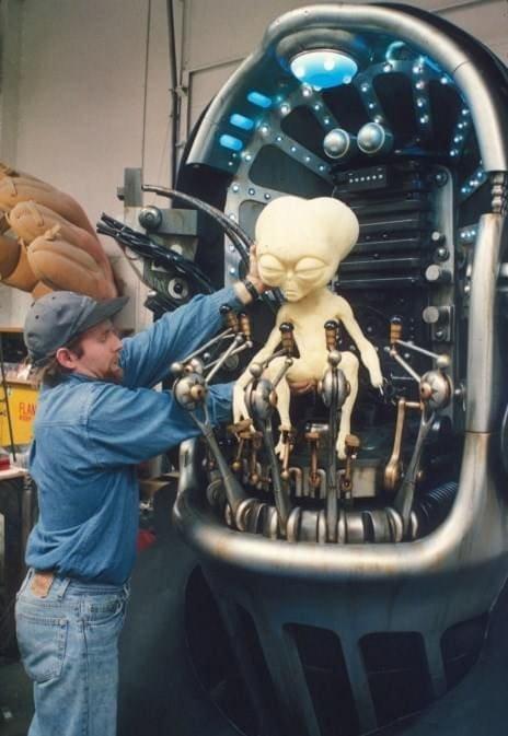 У инопланетянина из «Людей в чёрном» была и большая версия