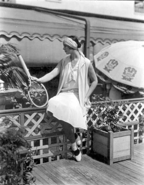 Спортсменка на набережной во Флориде, США, 1920-е.