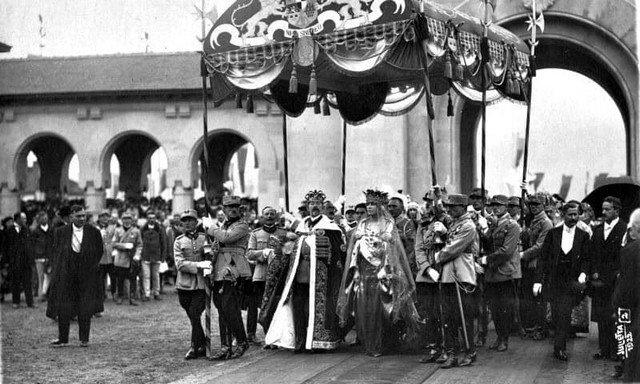 Церемония коронации Фердинанда I и Марии Эдинбургской на объеденный Румынский престол, Алба-Юлия 1922 год