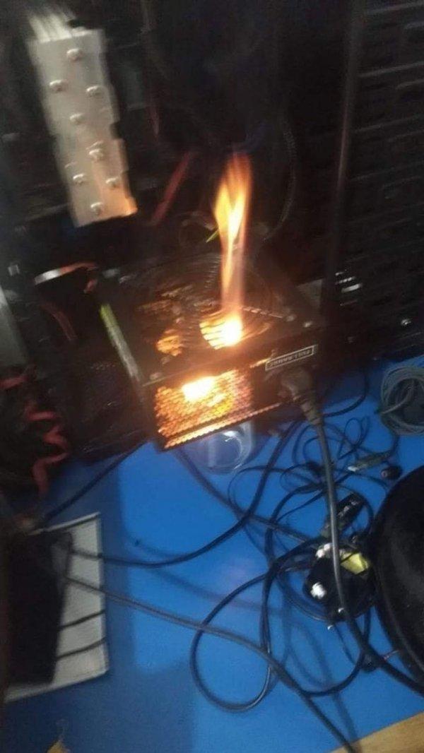 Сейчас огонь чуть прогорит и можно мясо ставить