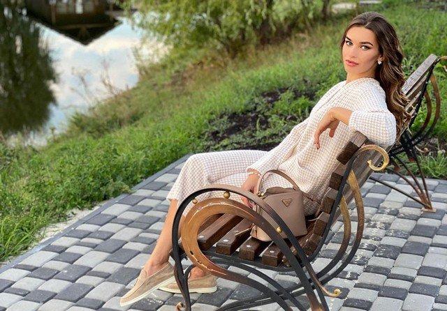 Анна Дурицкая - последняя любовь Бориса Немцова в белой кофте