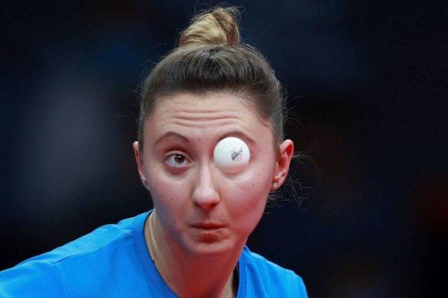 Попадания мячиков в глаз